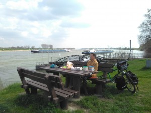 Lunch on the banks of the Rhine