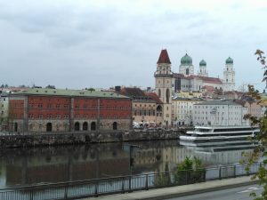 The view towards St Stephen' and the Aldstadt from our hotel in Passau